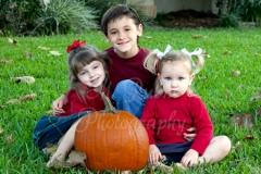 families_Jacksonville_Family_3_kids_pumpkin